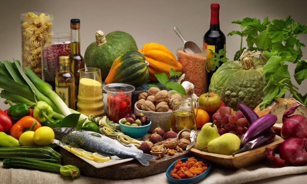 Sănătatea părului este influențată în mare măsură de alimentele pe care le consumăm