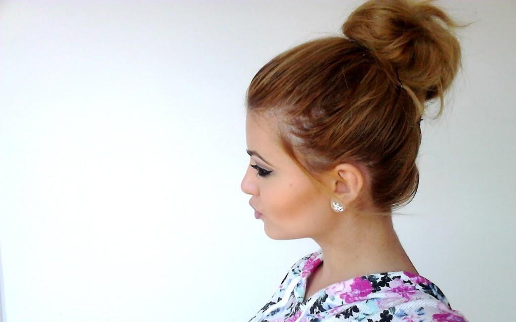 Dacă nu vrei să îți împletești părul, îl poți strânge într-un coc
