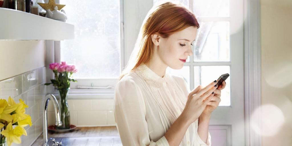 Nu puține sunt studiile care au demonstrat că un telefon mobil poate ascunde de zece ori mai multe bacterii decât o toaletă