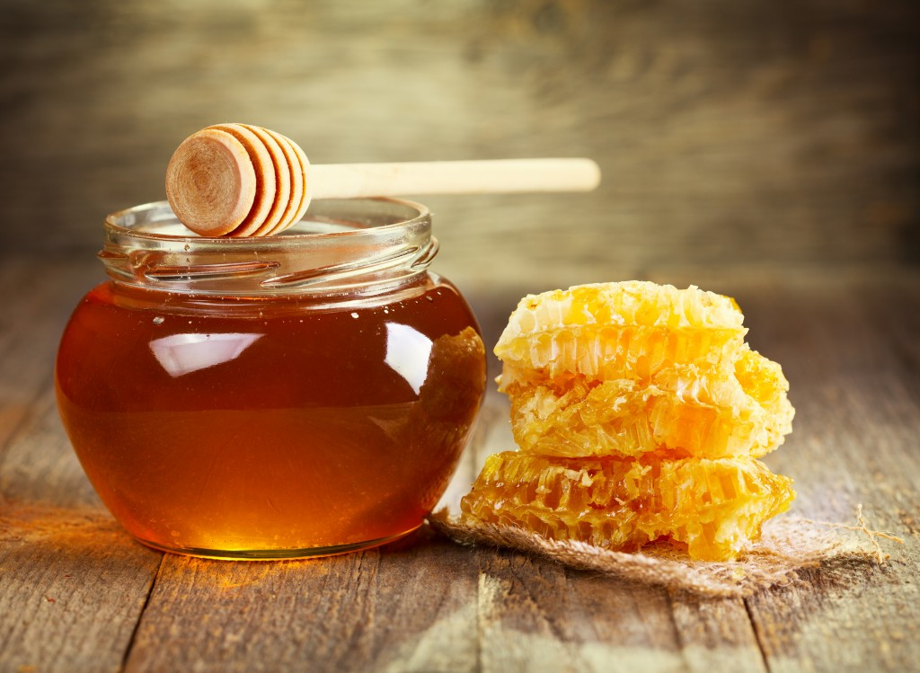 Mierea este încă din Antichitate un ingredient natural esențial pentru sănătatea întregului organism, nu doar pentru îngrijirea tenului