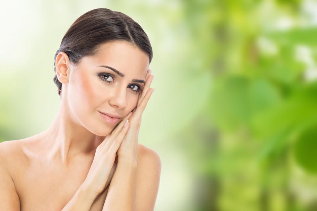 Sfaturi pentru îngrijirea tenului de la make-up artiști profesioniști