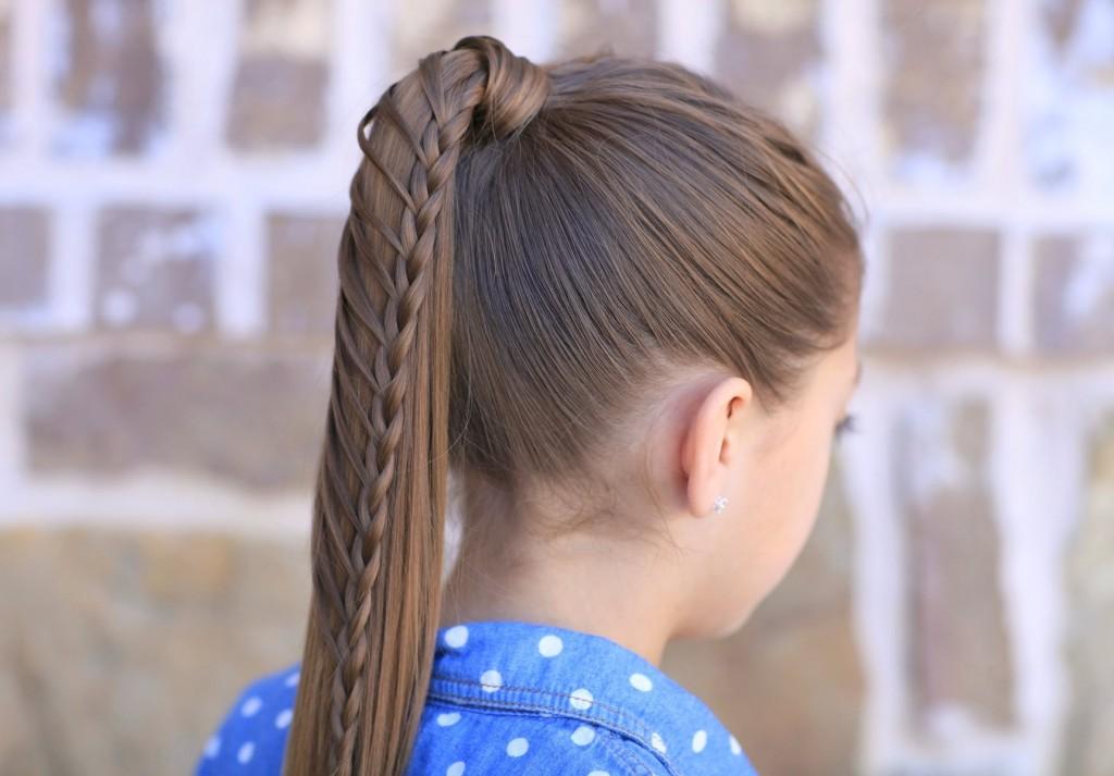 Prinde-ți părul cât mai sus într-o coadă de cal