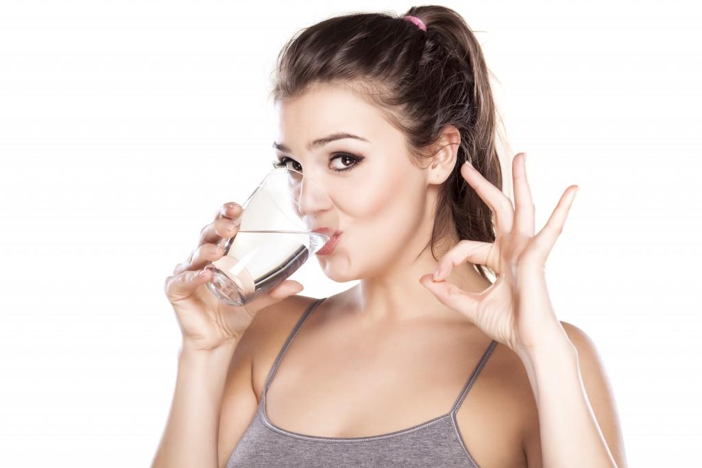 Hidratează-te corespunzător și adoptă un meniu echilibrat